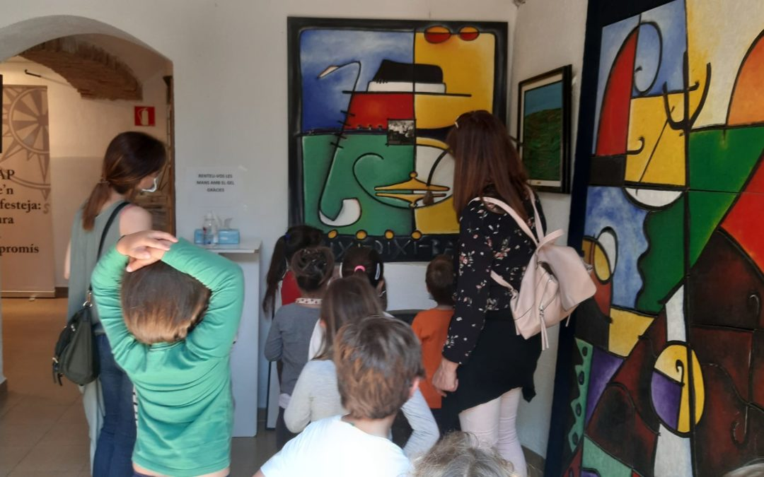 Alumes de l'Escola Cavaller Arnau visiten el fons Jobacasen del CERAP